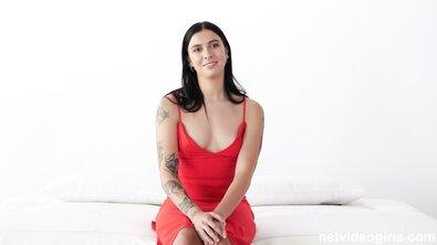 Сексуальная музыкантша трахается на прослушивании, чтобы получить работу