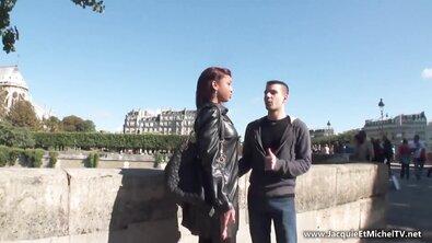 Сисястой мулатке французы устроили страстный проеб в формате МЖМ